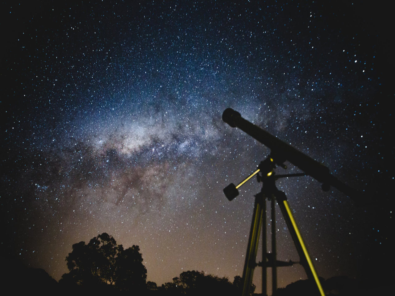 https://primeastrology.com/wp-content/uploads/2019/11/05.-Astrology-vs-science1-1-1280x960.jpg